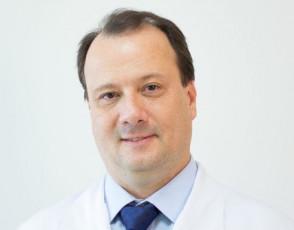 Dr. Cláudio de Oliveira Chiari Campolina